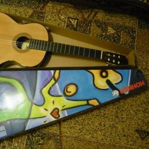 Продаётся  классическая гитара. 6 струн. Hohner HC-06 (HC06)