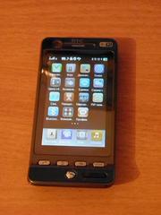 Продам карманный коммуникатор HTC hero.